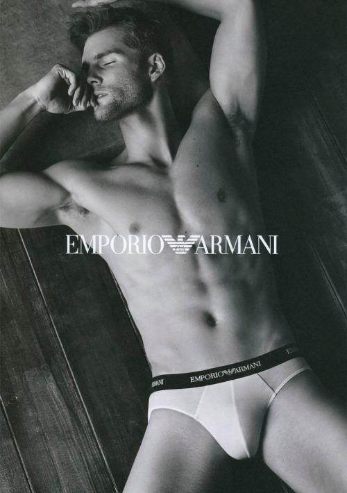 emporioarmaniunderwear_fw13_campaign_1